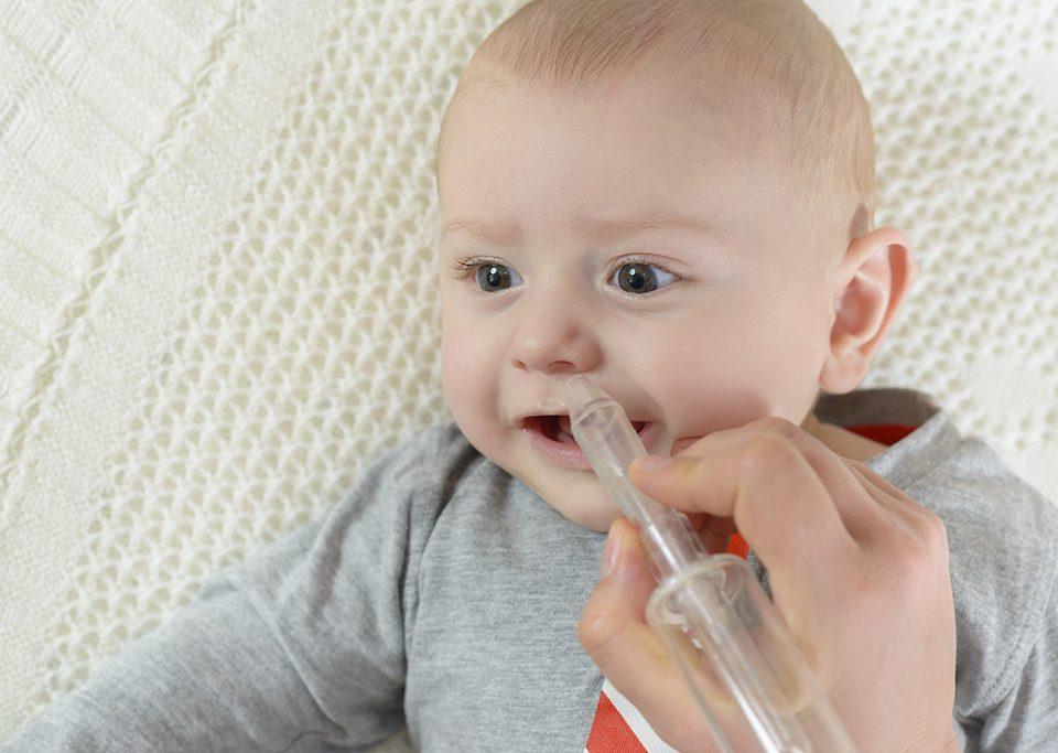 Uwaga, katar! Co robić, gdy dziecku ciężko się oddycha i kapie mu z nosa? | paniDoktor
